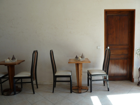 3-HPCH94---L-ecrin-des-coteaux---salle-a-manger.JPG
