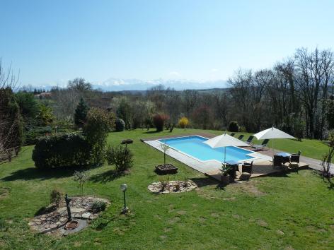 7-HPCH94---L-ecrin-des-coteaux---piscine.JPG