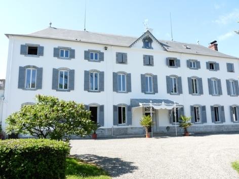 17-HPCH82---Chateau-d-Orleix---facade.jpg