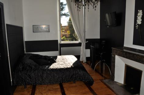 6-Prevot-Empire-Armany-chambre.jpg