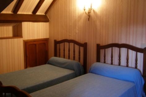 2-Grezette-8-chambre-2.jpg