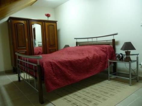 2-chambre2lairclaude-argelesgazost-HautesPyrenees.JPG