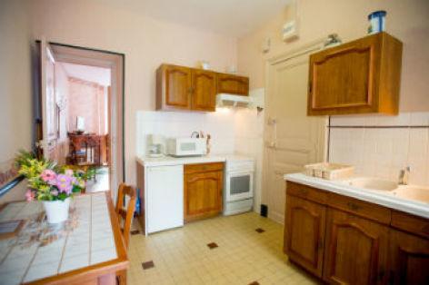 0-Cuisine-appartement-n-2-vue-vers-chambre-CATALOGUEpp.jpg