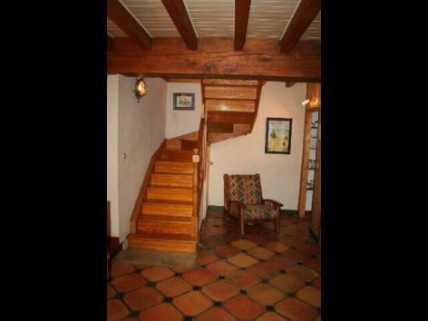 5-Escalier-pour-acceder-a-l-etage.jpg