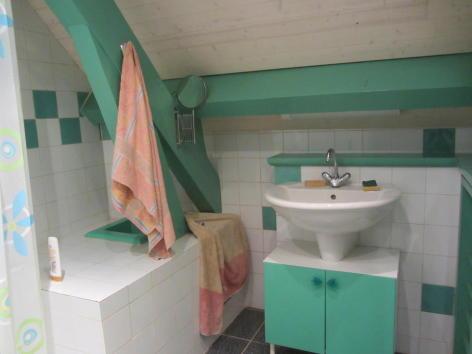 8-salle-de-bain-etage.jpg