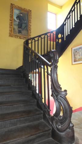 12-Escalier-Villa-Mon-Repos.png