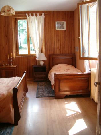 1-HPG101---Gite-La-Cavalcade---Chambre-2.jpg