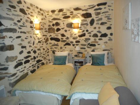 4-chambre2-mondon-bareges-HautesPyrenees.jpg
