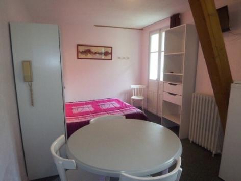 0-Location-studio-hautes-pyrenees-HLOMIP065V5008ZH-g2.jpg