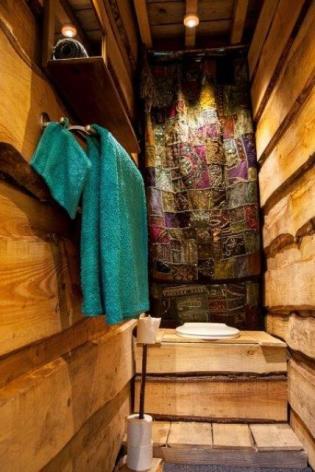 20-WC-Cabane-Nid-Gypaete-Nicole-et-Bertrand.jpg