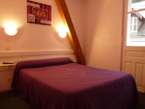 1-Location-studio-hautes-pyrenees-HLOMIP065V50096C-g.jpg