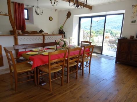 6-HPG132-La-Toucouero-salle-a-manger.jpg