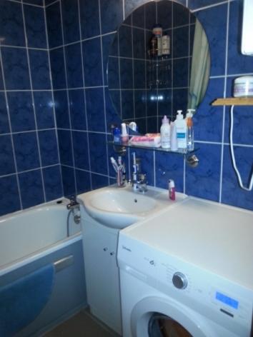 8-MDG-II-1-salle-de-bain-bleue.jpg