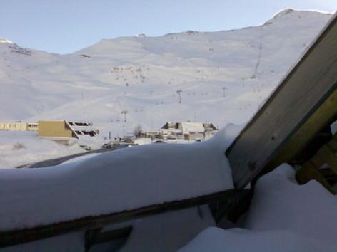 7-vue-du-balcon-sur-les-pistes.jpg