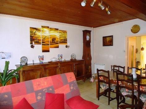 1-Pouyfaucon-salon-salle-a-manger.jpg