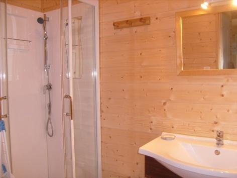 4-Salle-de-douches.JPG