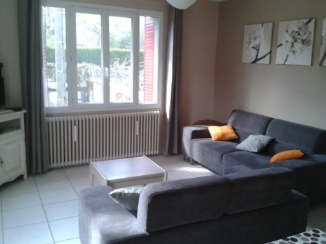 3-espace-salon-tele-carol-argeles-HautesPyrenees.jpg