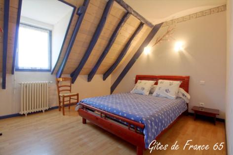 3-chambre1-sarthe-pierrefittenestalas-HautesPyrenees.jpg