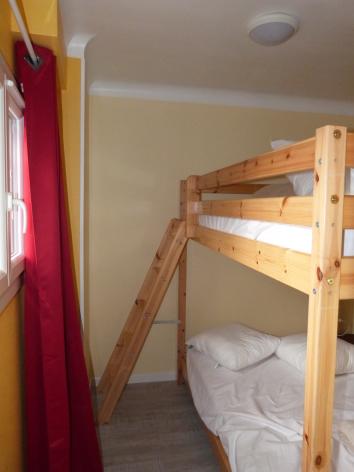 1-chambre2-poupelain-argelesgazost-HautesPyrenees.jpg.JPG