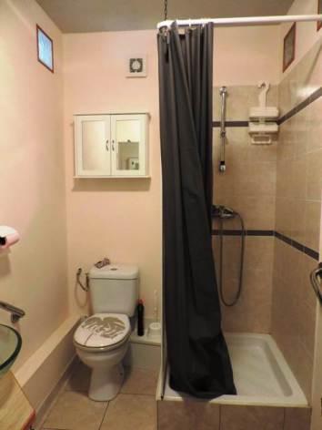 2-gite-2-personnes-2-etoiles-salle-eau.jpg