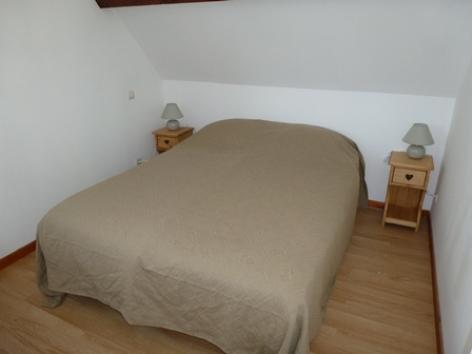 6-CALARD--Argeles-HautesPyrenees-chambre-1.jpg