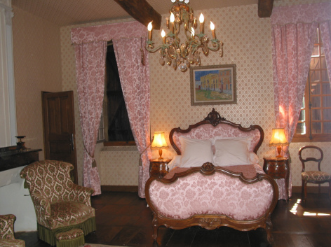1-HPCH23---Manoir-de-la-grange---Chambre-Armagnac.jpg