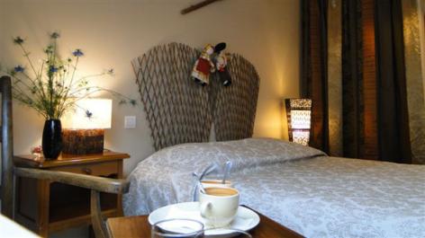 0-HPCH83---Les-jardins-d-hibarette---Chambre-Pastourelle.jpg