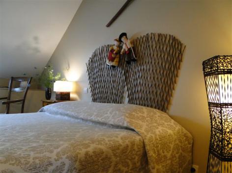 2-HPCH83---Les-jardins-d-hibarette---Chambre-Pastourelle2.JPG