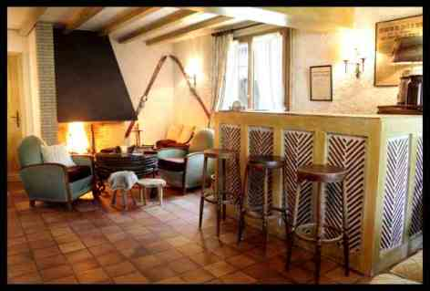 3-Amalric-le-cabillou-salon.jpg