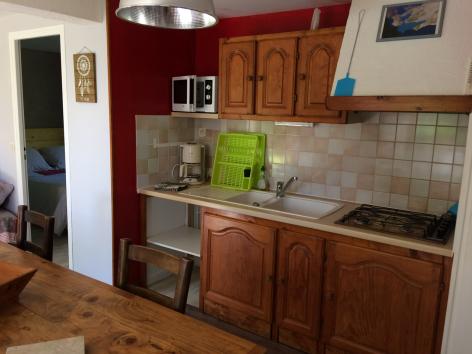 5-cuisine-damidot-arrensmarsous-HautesPyrenees.jpg