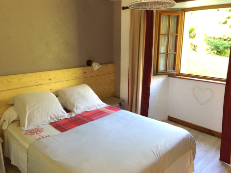 6-chambre-damidot-arrensmarsous-HautesPyrenees-2.jpg