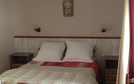 4-chambre-damidot-arrensmarsous-HautesPyrenees.jpg