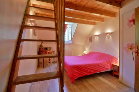 6-chambre4-lamunia-saligos-HautesPyrenees.jpg