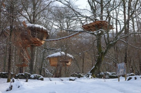 11-HPCH101---Cabanes-de-PYRENE-en-hiver--2-.jpg