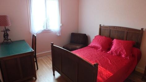 6-chambre2crampe-argelesgazot-hautesPyrenees.jpg.JPG