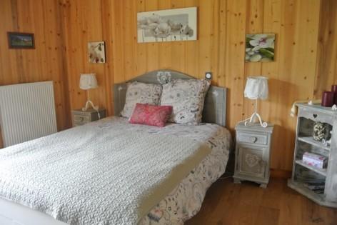 9-HPCH15-Le-Shorten-chambre-vignemale.jpg