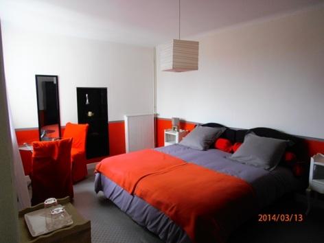 1-Chambre-lit-160cm.JPG