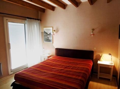 4-delerue-chambre.jpg