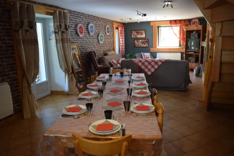0-Espace-repas-bis-Maison-Menouet.jpg