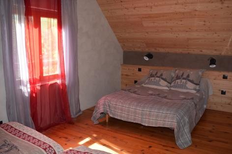 6-CHB-3-Maison-Menouet-lit-double.jpg