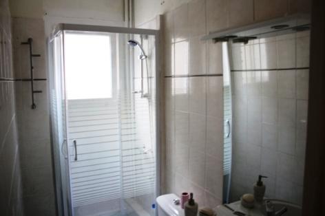 4-NBM19.2---Le-Pitchoun----salle-de-bain.jpg