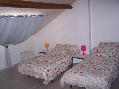 6-Chambre-etage-bis.JPG