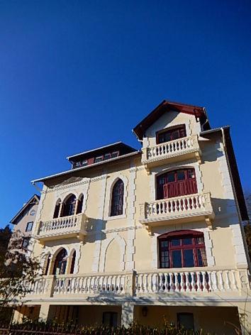 2-HPCH103-Villa-Orante-facade.JPG