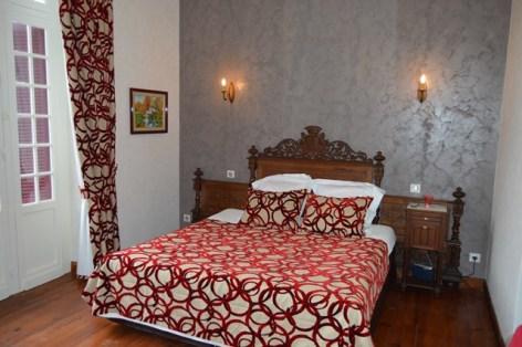 4-Chambre-Gavarnie.jpg