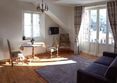 7-Lourdes-Chambre-d-Hote-Suite-Neouvielle-1-VILLA-ORANTE-DOMPNIER-2.jpg