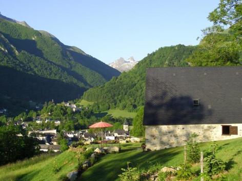 10-Grange-Soulor-Vue-Village-d-Arrens.JPG