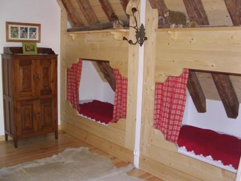 7-Grange-Soulor-Chambre-2a.JPG
