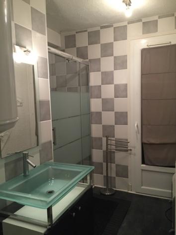 4-ROUANET-Pascale-Myrtilles-1-salle-de-bain.JPG