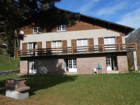 6-vue-generale-maison-avec-BBQ.JPG