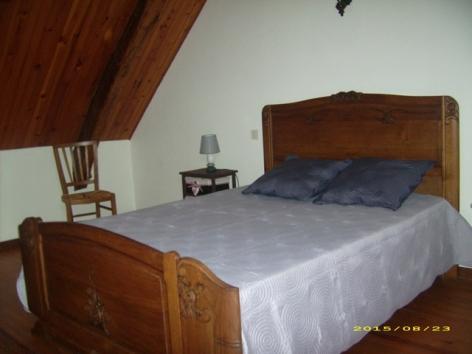3-aberet-chambre2-saintpastous-HautesPyrenees.JPG